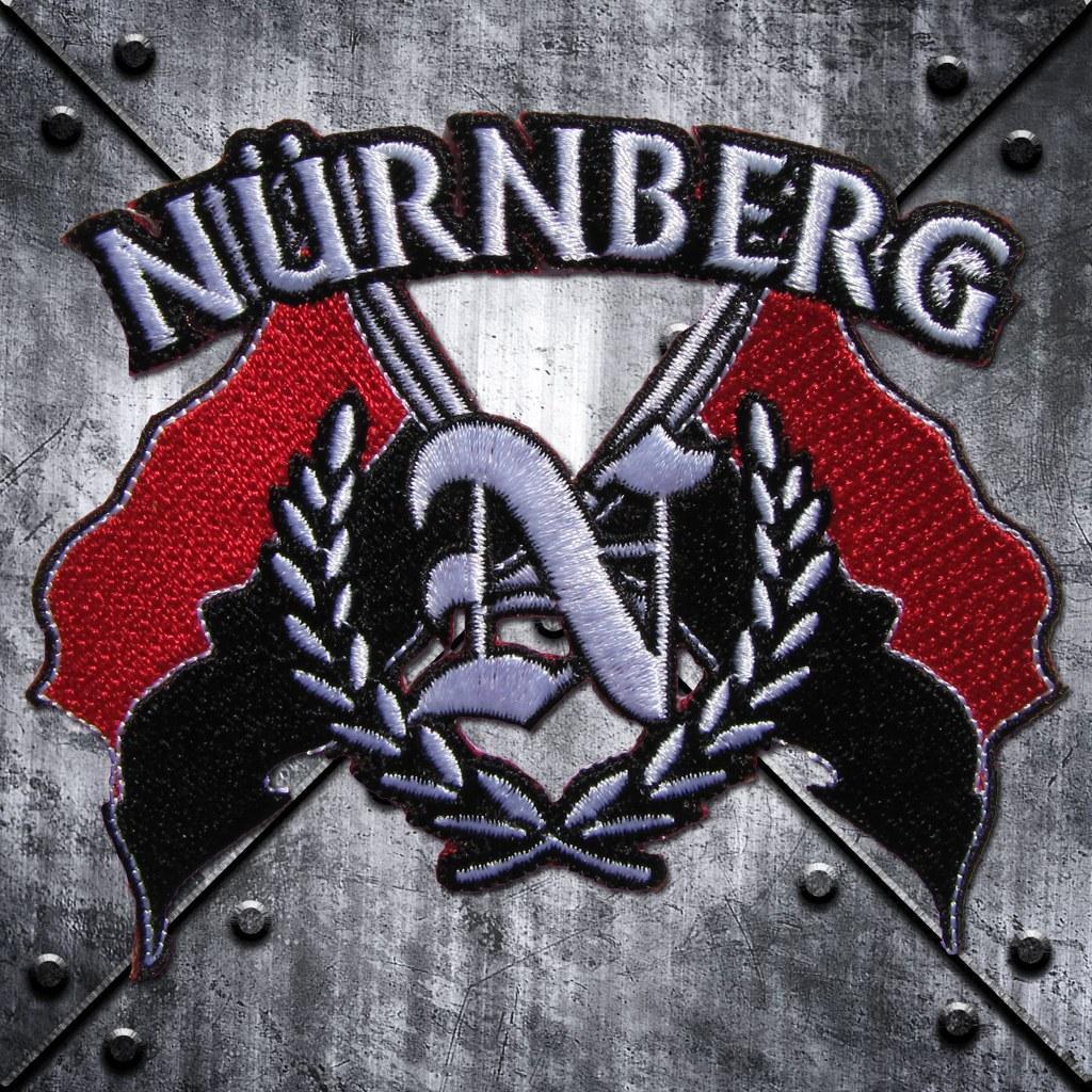 Aufnäher 'Nürnberg' und 'N' im Lorbeerkranz