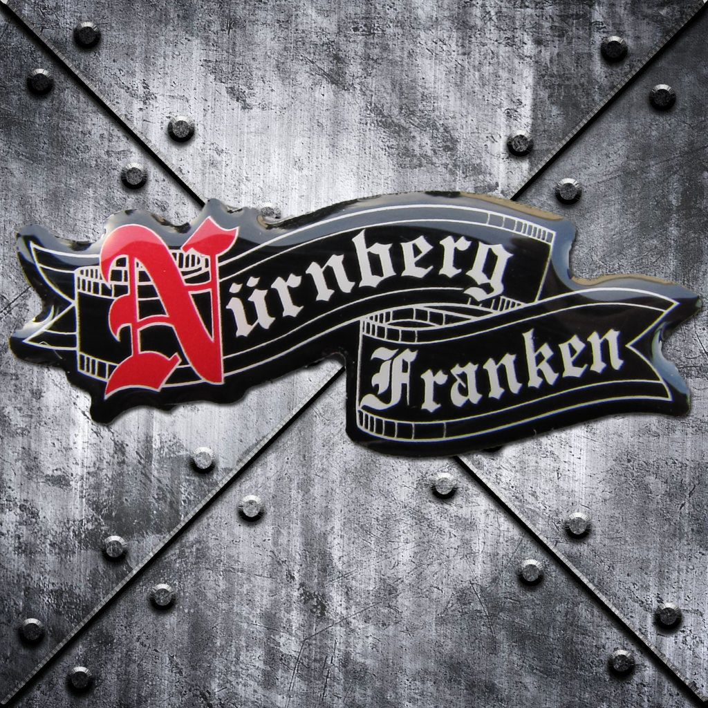 PIN 'Nürnberg Franken' geschwungen