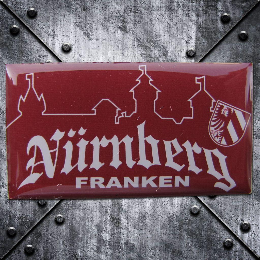 PIN 'Nürnberg Franken' Burg rot/weiss