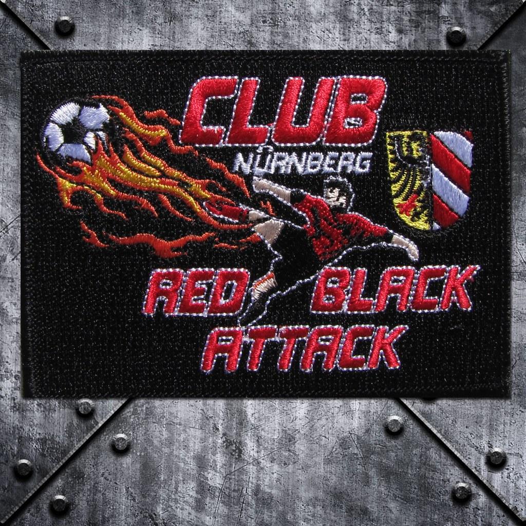 Aufnäher 'Red Black Attack' Fussballspieler