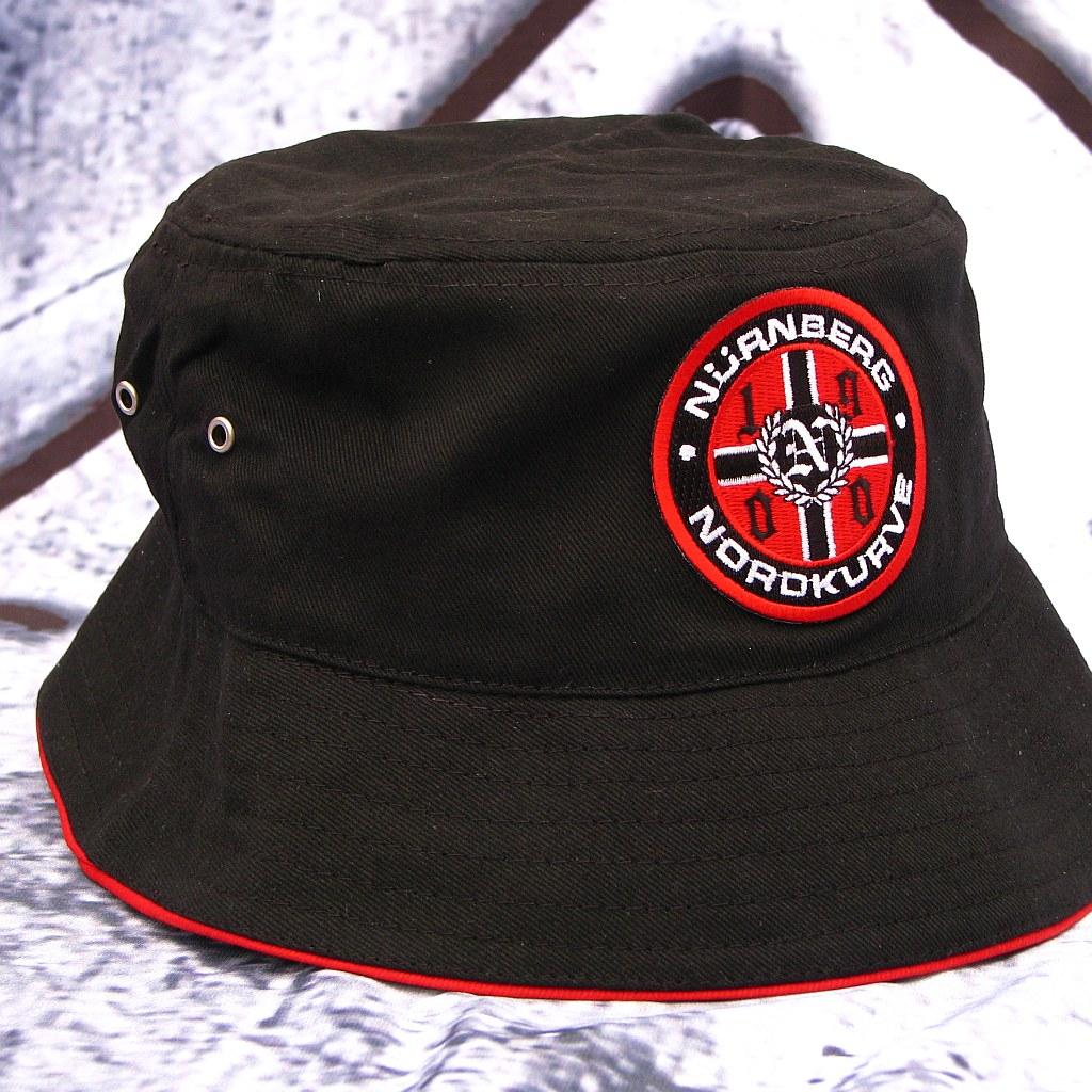 Sonnenhut Nürnberg Nordkurve schwarz rundes Logo1900
