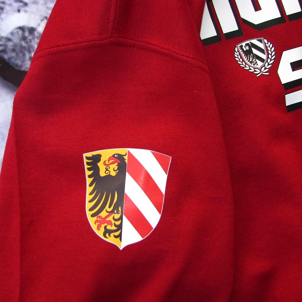 Kapuzensweat Shirt Front + Ärmeldruck Nürnberg bleibt stabil