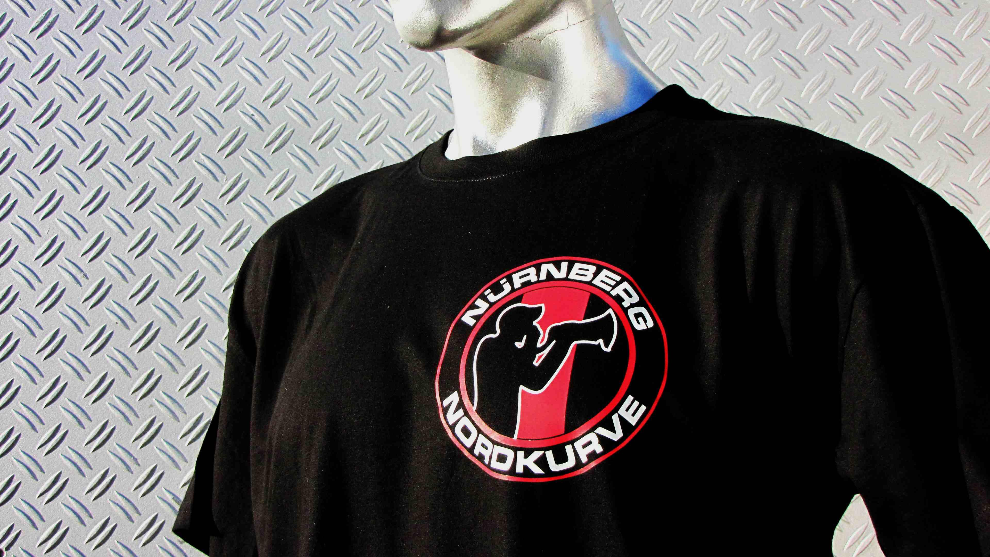 T-Shirt  beidseitig bedruckt  Nürnberg Nordkurve' Megaphonmann